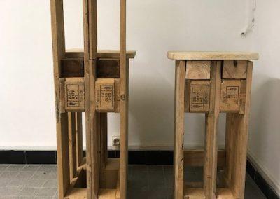 Chaise et tabouret en bois de palette